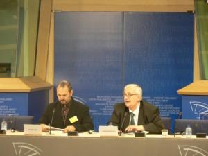 ParlamentoEuropeoDanielEstulin1junio201002-300x225